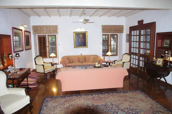 Neemrana's Le Colonial : salon