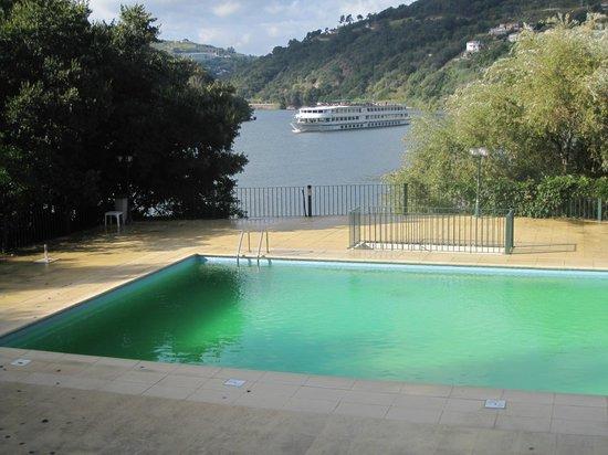 Quinta da Ermida: Piscina e Rio Douro