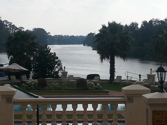 BON Hotel Riviera on Vaal: Pool area overlooks the river