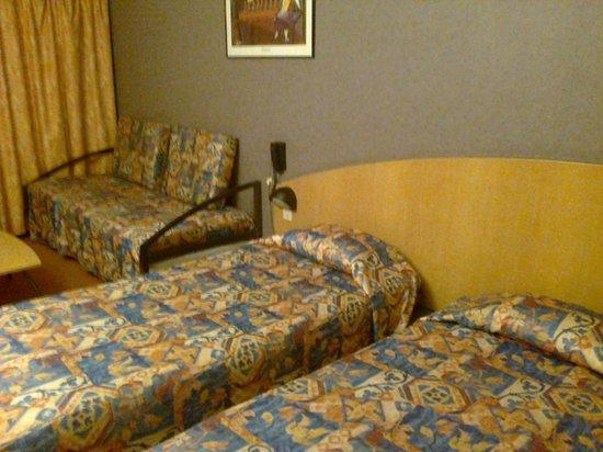 Arena Hotel la Defense : la déco meubles et literie