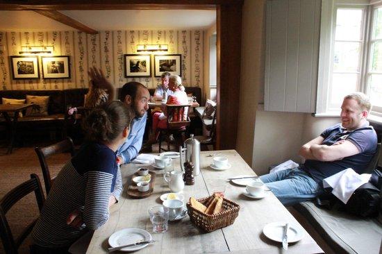 The Museum Inn: Breakfast with friends