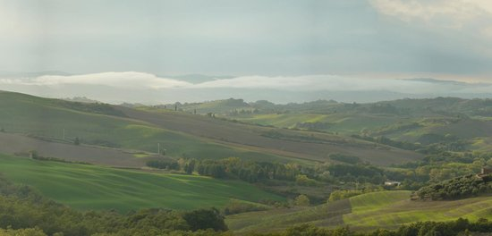 Agriturismo Sant'Anna in Camprena: View from garden terrace 1