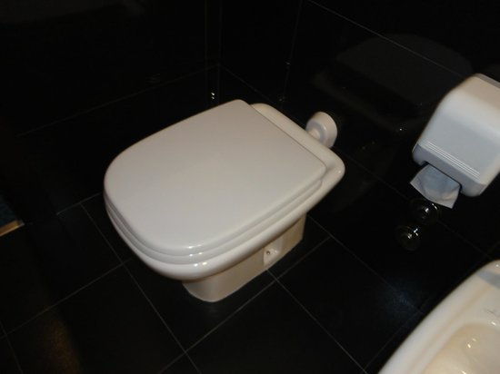 Hotel Mondial: wc