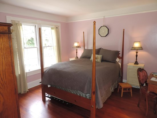Heceta Head Lighthouse Bed and Breakfast: Victoria's Room