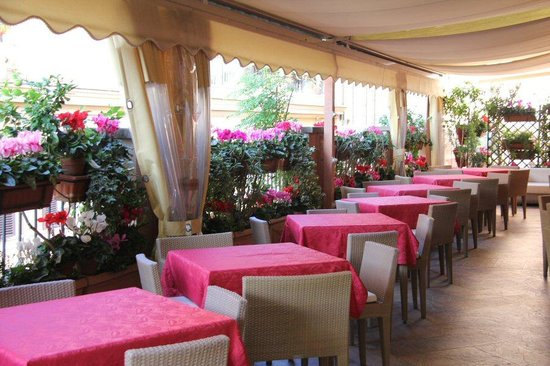 Hotel San Carlo: Breakfast area roof garden
