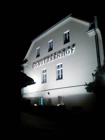 Romantik Hotel Dorotheenhof Weimar: Hotelansicht bei Nacht