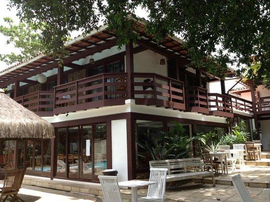 Blue Marlin Hotel: Vista do jardim e suítes superiores