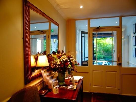 Villa at Henrietta Park: Reception Area