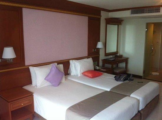 Andaman Beach Suites Hotel : lit double