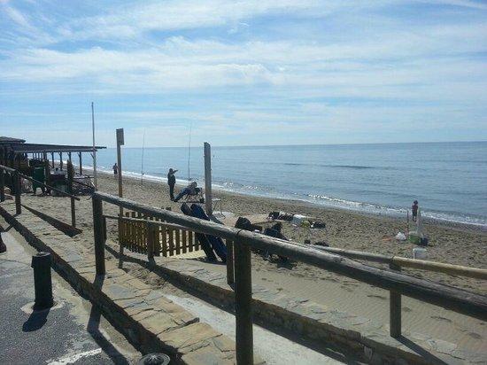 Amare Beach: servicio horrible este año en beach club miramar fuerte