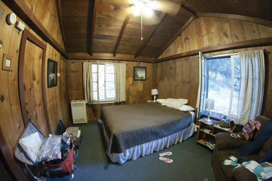 Ripplewood Resort: inside cabin 12A