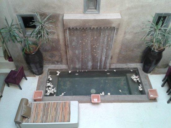 Riad Dar One: patio desde la habitación