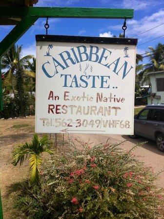 Caribbean Taste Restaurant: Enseigne du restaurant
