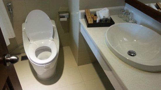EdenStar Saigon Hotel : Bathroom