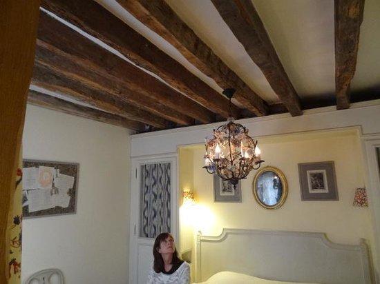 Hotel Caron de Beaumarchais : Old but elegant