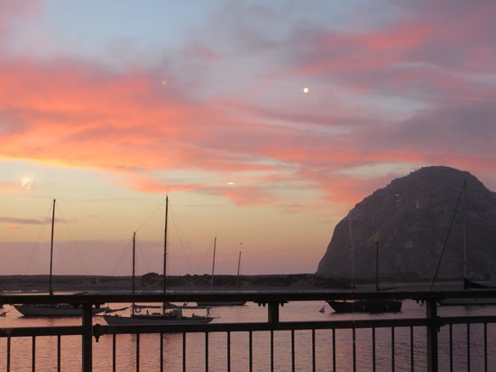 Dutchman's Seafood House: Sunset over Morro Rock