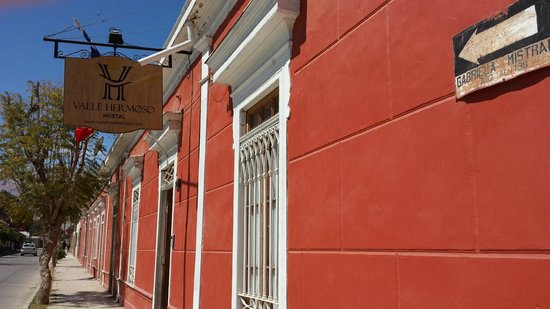 Hostal Valle Hermoso: Outside