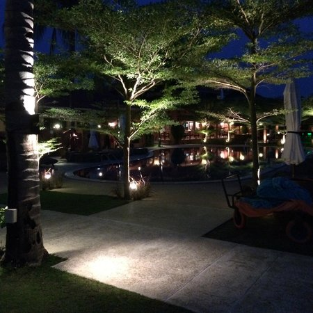 Casa del Mar, Langkawi: View of the pool area at night