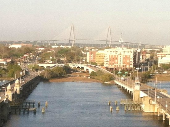 Holiday Inn Charleston Riverview : View from the Bar of the River and bridge to Historic District