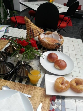 Riad la Parenthese : Moroccan breakfast