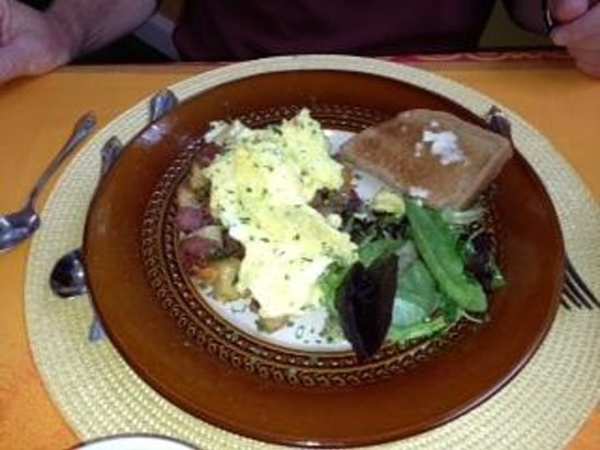 Stone Hill Inn: just one of many amazing breakfasts by Linda