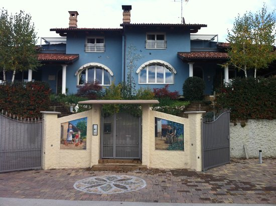 Appartamenti Vacanze La Rosa Gialla: Panoramica della Casa