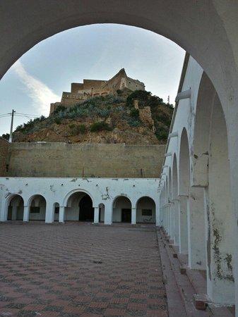 Fort Santa Cruz: Le château