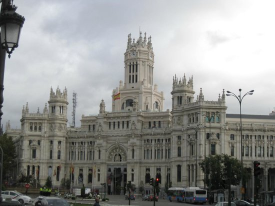 MadSnail Travel Private Tours: posh Madrid