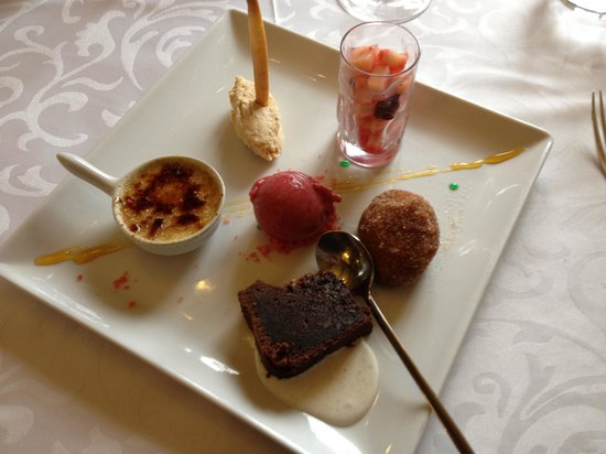 assiette gourmande de desserts photo de le soufflet gundershoffen tripadvisor. Black Bedroom Furniture Sets. Home Design Ideas
