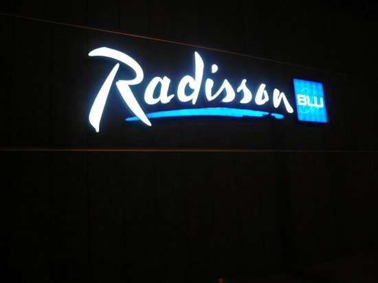 Radisson Blu Centrum Hotel Warszawa: FACHADA