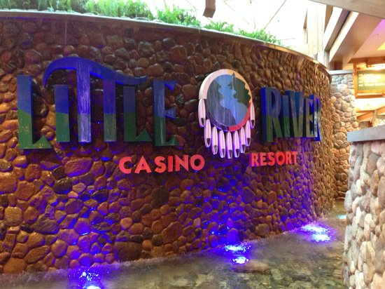 Little River Casino Resort: Sign by the waterfall