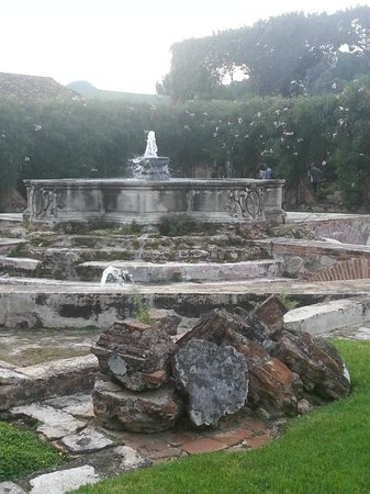 Casa Santo Domingo: Main Fountain