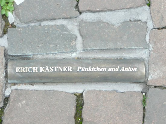 Altes Rathaus : Memorial stone for burned book in front of Bonn's Old Town Hall