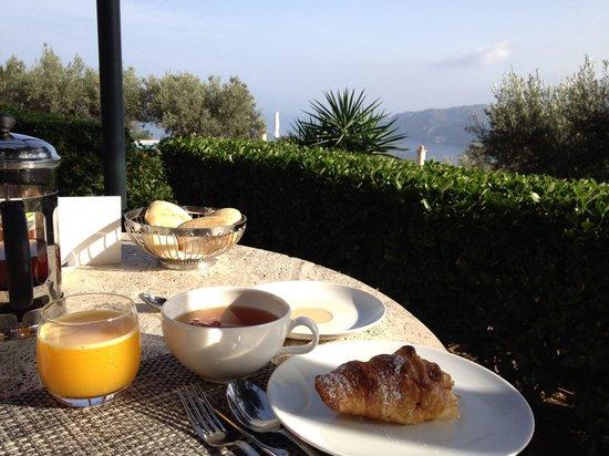 Hotel Sa Pedrissa: Desayuno con vistas impresionantes.