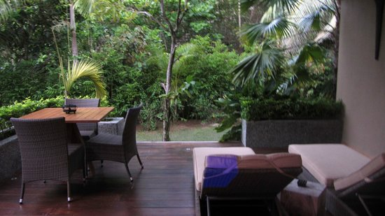 Le Domaine de L'Orangeraie: Terrasse de la villa jardin