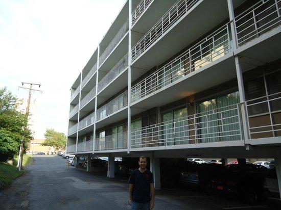 Americana Hotel: Hotel