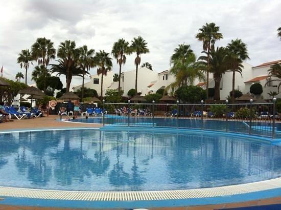 Select Sunningdale : Paddling pool