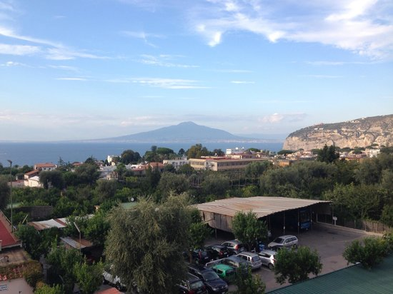 Comfort Hotel Gardenia Sorrento Coast : View from room