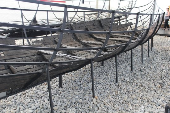 Musée des navires vikings de Roskilde : One of the recovered ships