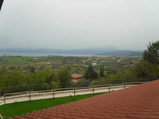 Agriturismo Il Grappolo: vista sul lago dalla nostra stanza