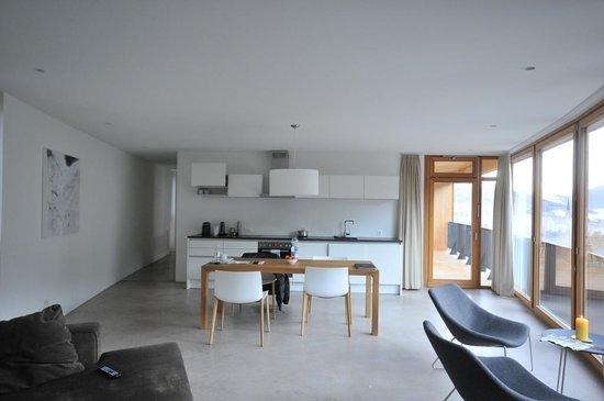 Hotel Garni Arnica: area cucina, suite
