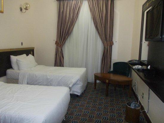 Al-Majeedi ARAC Suites : our room