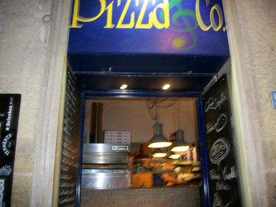 Pizza&Co: On a lively street