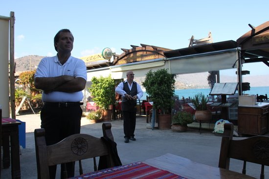 Olondi Restaurant : Iannis and Kostas