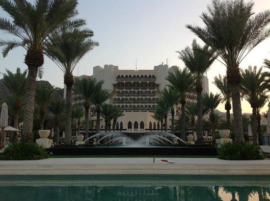 Al Bustan Palace, A Ritz-Carlton Hotel: Hotel in all its splendour