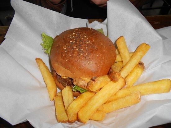 Holy Cow! Gourmet Burger Company- Cheneau De Bourg : Vraiment délicieux!