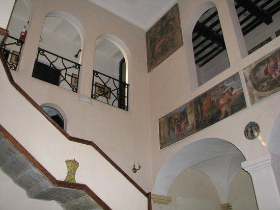 Villa Taticchi : I dipinti erano meravigliosi