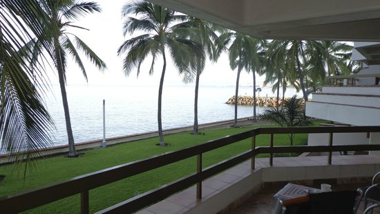 Buganvilias Vacation Club: View to the right from balcony
