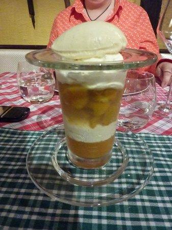 Restaurant La Grappe d'Or : Liégeois mirabelles, sorbet yaourt
