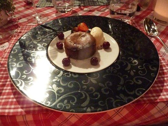 Restaurant La Grappe d'Or : Moelleux au chocolat, glace vanille